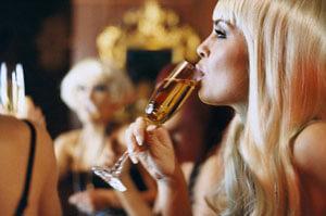 Женский алкоголизм: новый рецепт лечения