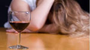 Как бороться с женским алкоголизмом