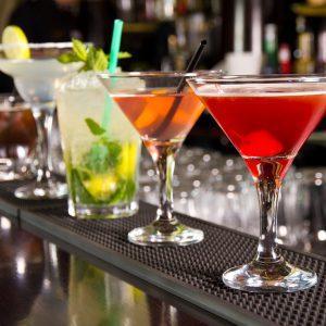 Алкогольная карта: «Кровавая Мэри», «Белый русский» и другие коктейли с водкой