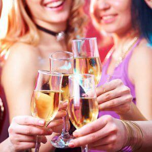 Худеющим на заметку: калорийность шампанского