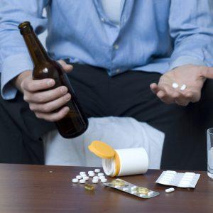Как лечить алкоголизм в домашних условиях