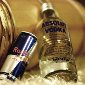 Чем опасна водка в сочетании с Редбулом?