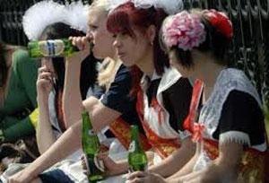 Не пьющий, а в коллективе уважают