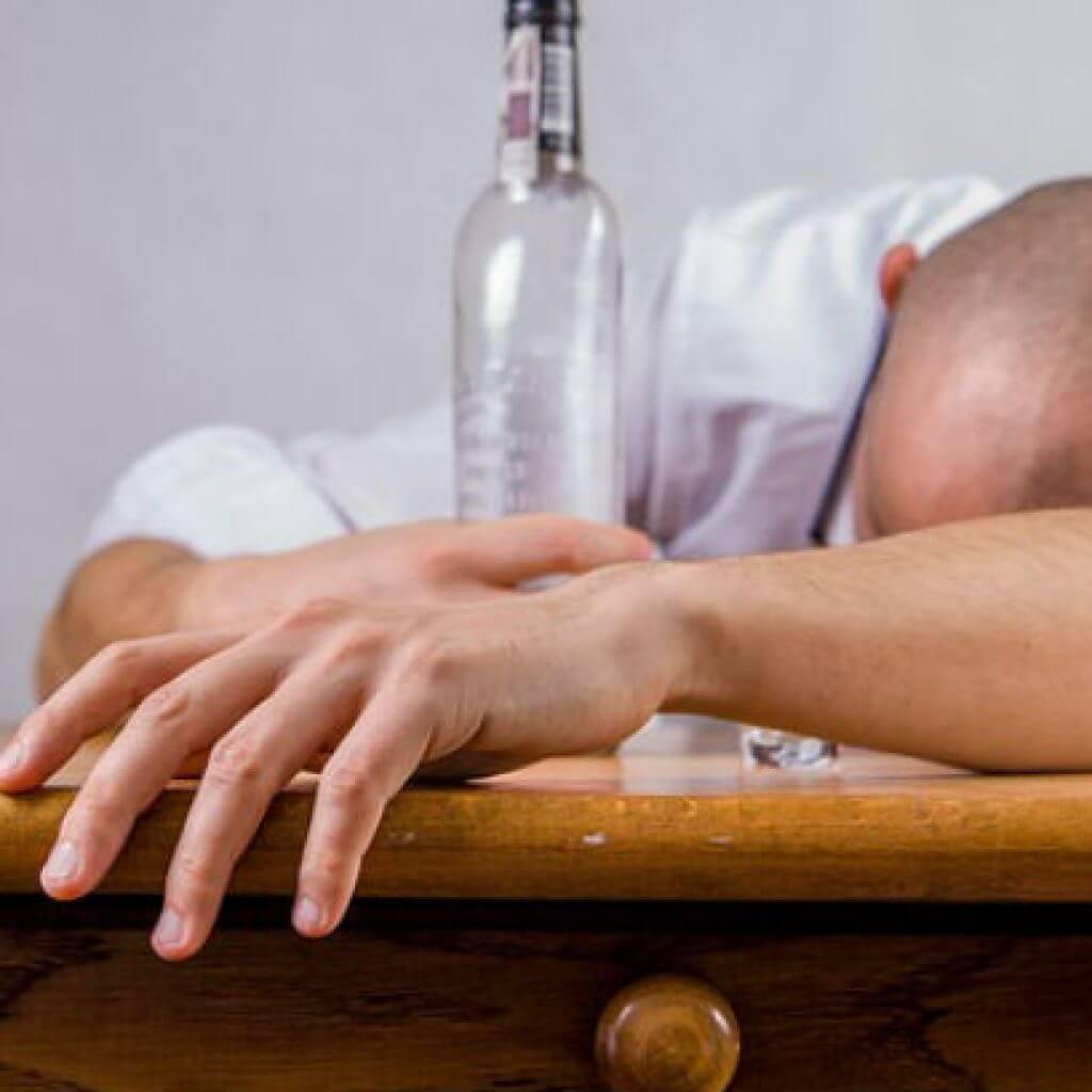 У мужа бытовой алкоголизма