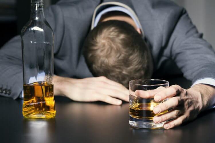 кровью с после алкоголя понос-15