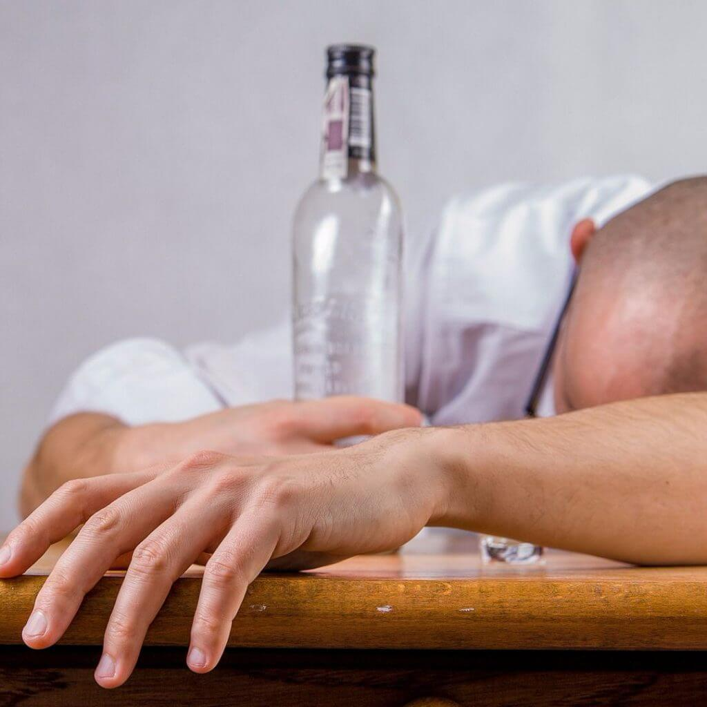 Знахарь который вылечит алкоголизм
