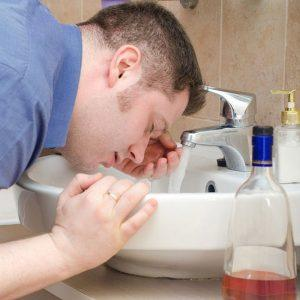 Чем вызвать рвоту у алкоголика