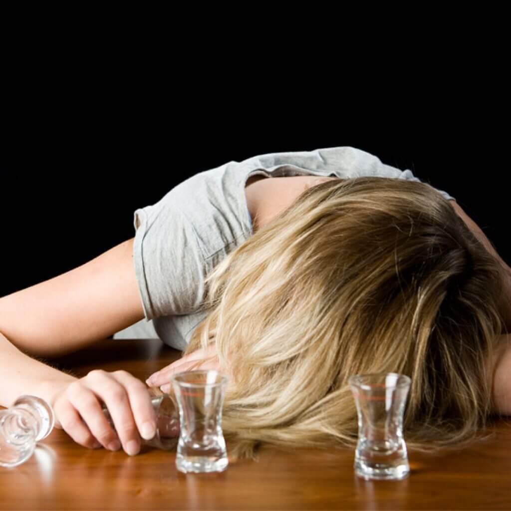 Заговор от пьянства в домашних условиях на фото