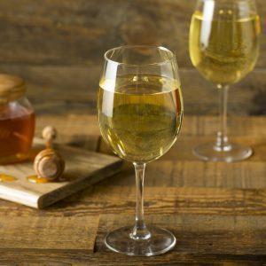 Желтое вино