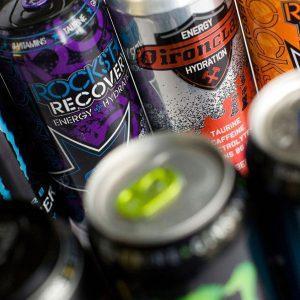 Алкогольные энергетики: особенности состава и влияние на человеческий организм