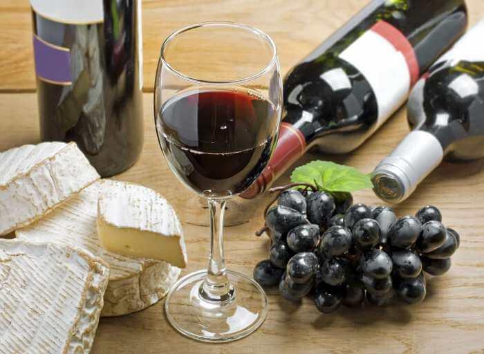 Поднимает ли вино давление