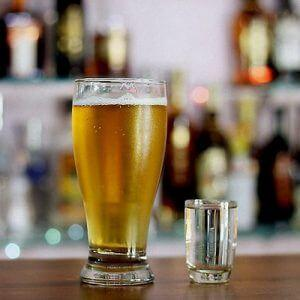Водка с пивом: можно ли употреблять?