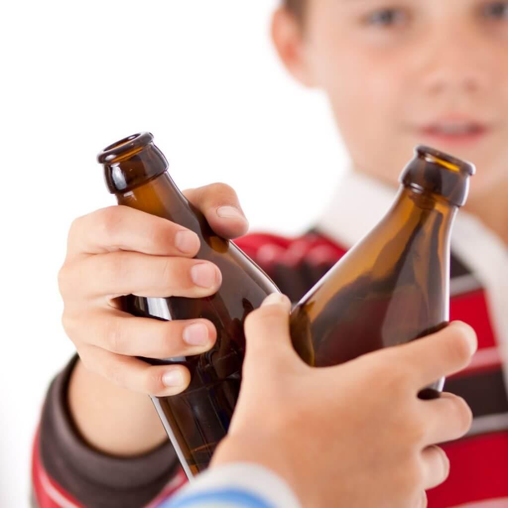 Как влияет алкоголь на ребенка и почему дети употребляют спиртные напитки? 96