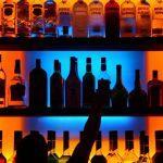 Со скольки лет можно употреблять алкоголь в России?